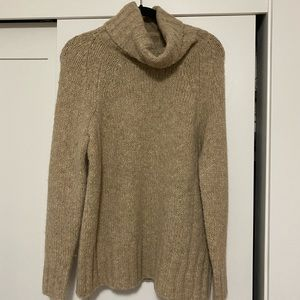 Aritzia Plutarch Sweater. size small.